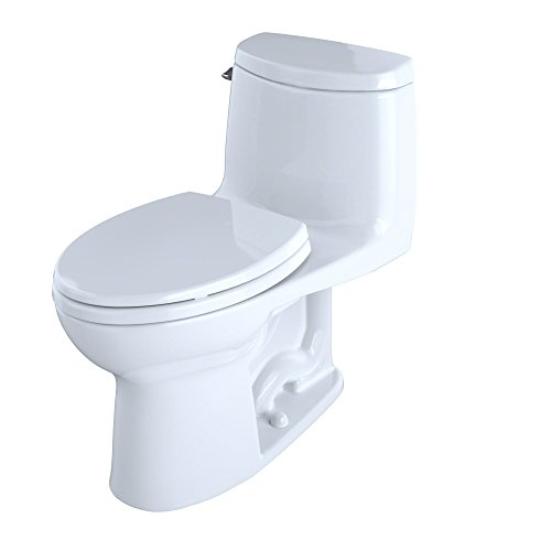 Which One piece Toto toilet is better?
